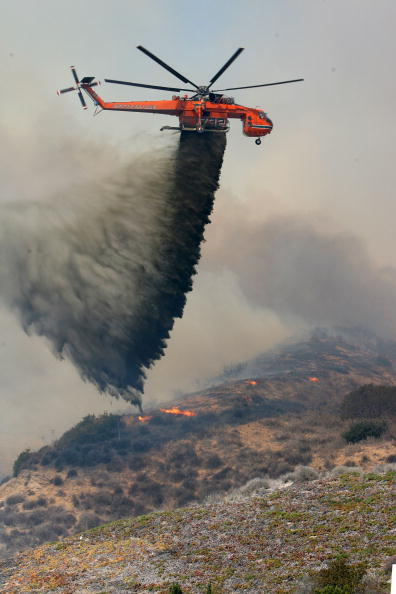 California State Route 1「Santa Ana Winds Stoke Wildfires In Southern California」:写真・画像(16)[壁紙.com]