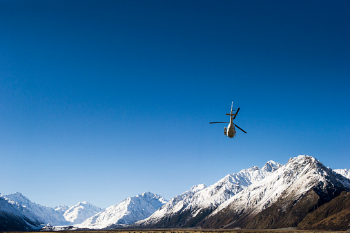 Mt Cook National Park「Helicopter taking off with heliskiers」:スマホ壁紙(11)