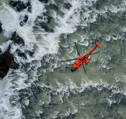 Helicopter「Helicopter flying over waterfalls, Iceland」:スマホ壁紙(15)