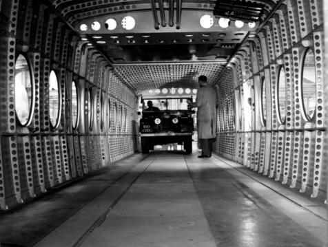 Monty Fresco「Helicopter Interior」:スマホ壁紙(1)