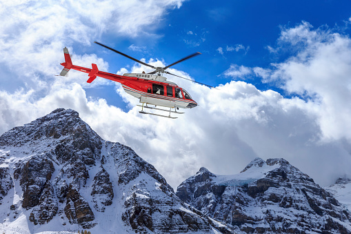 Helicopter「Helicopter at Assiniboine Lodge and Magog Lake」:スマホ壁紙(10)