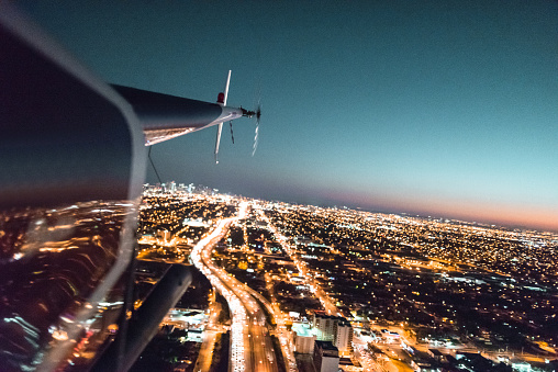 Helicopter「ダウンタウン上空を飛ぶヘリコプター マイアミ」:スマホ壁紙(17)