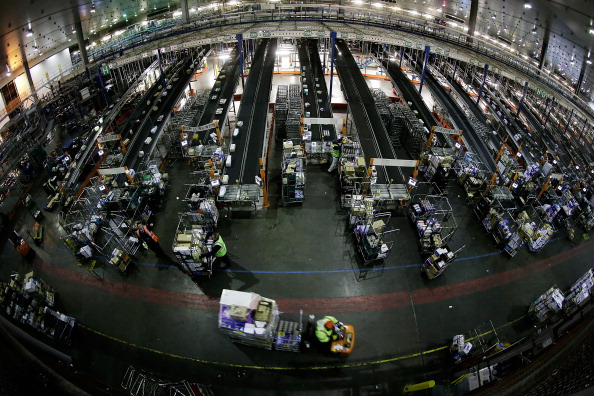 Sainsburys「Busiest Weekend Of The Year For The Sainsbury's Warehouse」:写真・画像(11)[壁紙.com]
