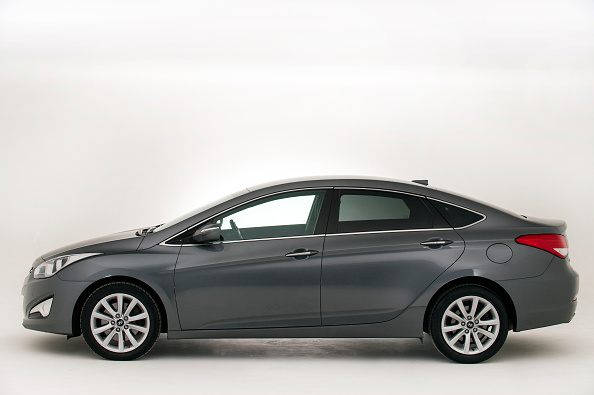 Side View「2013 Hyundai I40.」:写真・画像(9)[壁紙.com]