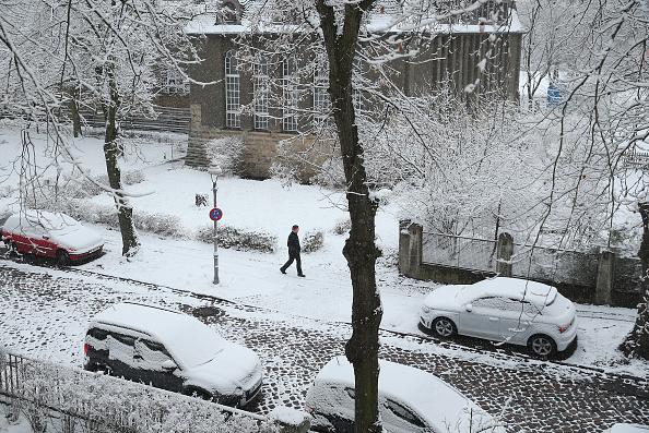 Weather「First Season's Snowfall In Berlin」:写真・画像(12)[壁紙.com]