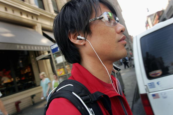 Headphones「iPod Thefts Contribute To Surge In Crime」:写真・画像(17)[壁紙.com]