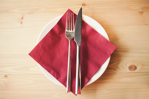 Silverware「Close up of silverware, napkin and side plate」:スマホ壁紙(1)