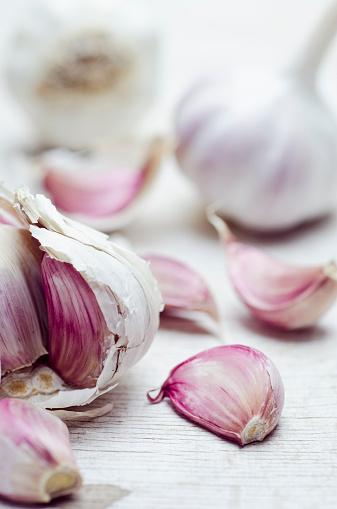 Garlic Clove「Close up of garlic bulbs and cloves」:スマホ壁紙(5)
