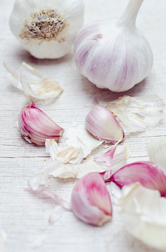 Garlic Clove「Close up of garlic bulbs and cloves」:スマホ壁紙(14)