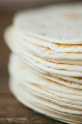 Karin「Close up of organic flour tortillas」:スマホ壁紙(12)
