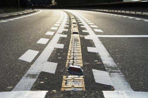 かまくら「Close up of road」:スマホ壁紙(12)