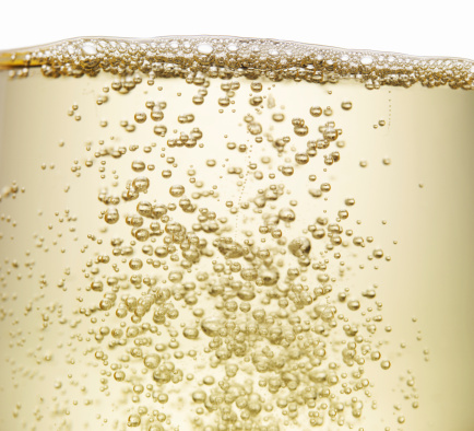 New Year「Close up of champagne bubbles」:スマホ壁紙(5)