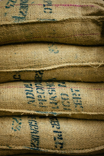 St「Close up of stack of burlap sacks」:スマホ壁紙(8)