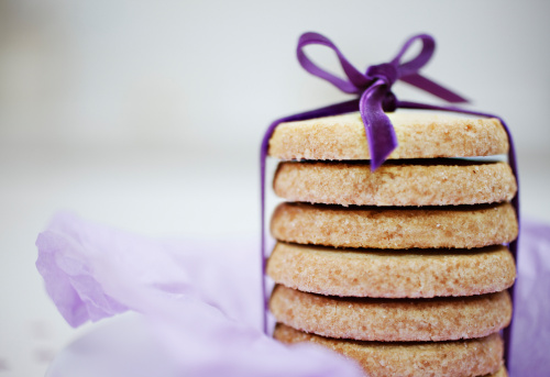 Cookie「Close up of ribbon around stack of cookies」:スマホ壁紙(11)