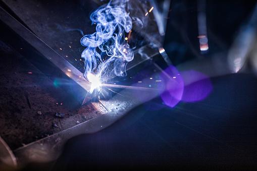 Welding「Close up of welding metal in a workshop.」:スマホ壁紙(13)
