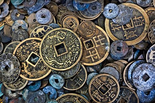 Vietnamese Culture「Close up of Vietnamese coins」:スマホ壁紙(16)