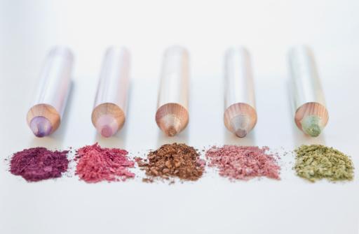 Eyeliner「Close up of assorted makeup pencils」:スマホ壁紙(9)