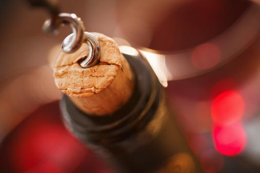 Wine Bottle「Close up of corkscrew in cork」:スマホ壁紙(18)