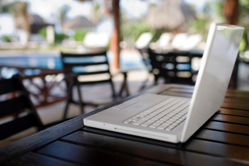 Resort「Close Up of Laptop on Outdoor Table, Nobody, Copy Space」:スマホ壁紙(19)