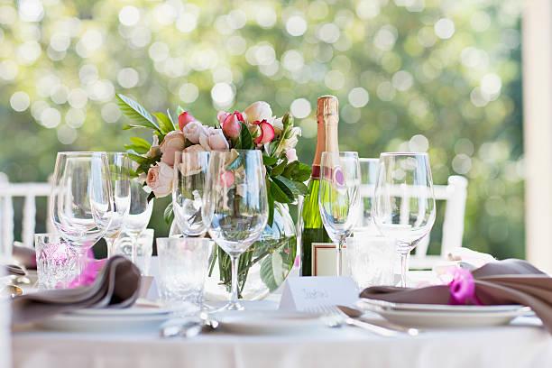 Close up of wedding reception place setting:スマホ壁紙(壁紙.com)