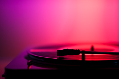 Audio Equipment「Close up of turntable on pink background」:スマホ壁紙(7)