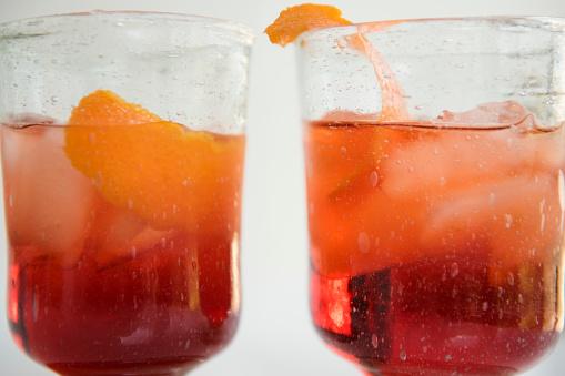 逸楽「Close up of drinks in glasses」:スマホ壁紙(3)