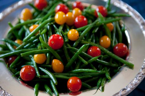 Bush Bean「Close up of green beans and tomatoes」:スマホ壁紙(12)