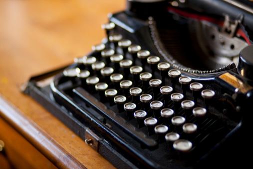 20th Century Style「Close up of typewriter」:スマホ壁紙(0)