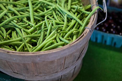 Bush Bean「Close up of basket of fresh green beans」:スマホ壁紙(8)