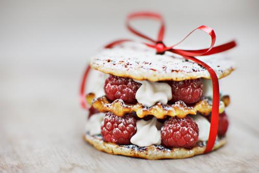 Cookie「Close up of raspberry and cream cookie dessert」:スマホ壁紙(13)