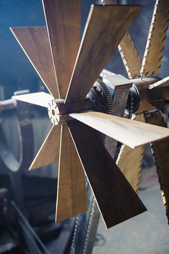 Belt「Close up of wooden windmill blades」:スマホ壁紙(8)