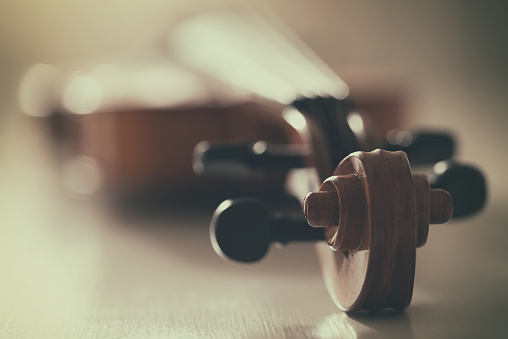 Violin「Close up of a violin」:スマホ壁紙(19)