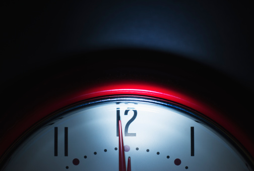 12 O'Clock「Close up of clock face showing midnight」:スマホ壁紙(16)