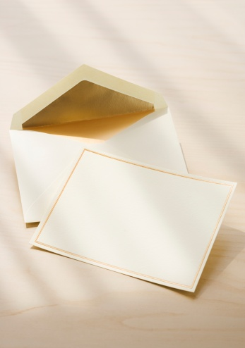 余白「Close up of blank card and envelope」:スマホ壁紙(8)