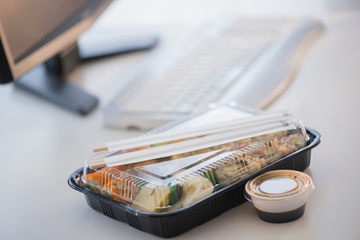 Convenience「Close up of take-out lunch near computer」:スマホ壁紙(15)