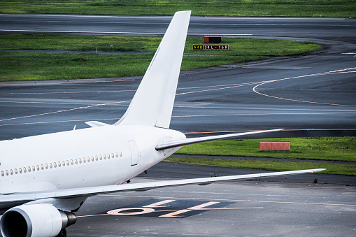 Japan「航空機の羽とタービンのクローズ アップ。」:スマホ壁紙(8)