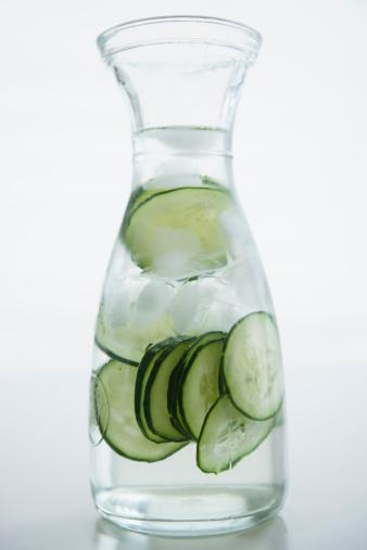 Cucumber「Close up of cucumber drink, studio shot」:スマホ壁紙(18)
