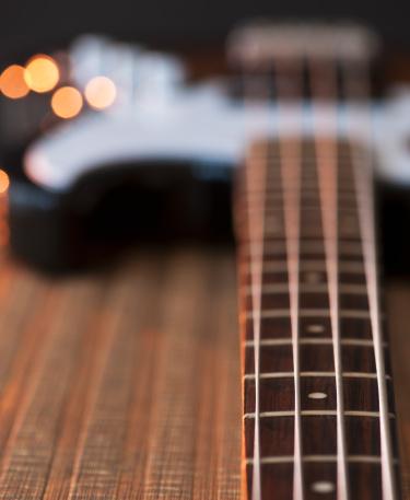 Bass Guitar「Close up of strings of bass guitar」:スマホ壁紙(18)