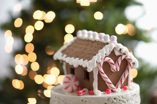 Candy Cane「Close up of gingerbread house」:スマホ壁紙(9)