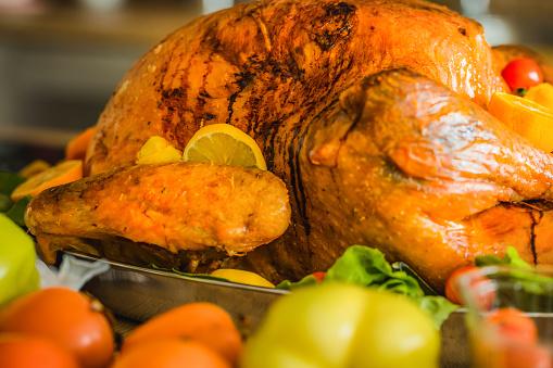 Stuffed Turkey「Close up of roasted turkey on Thanksgiving.」:スマホ壁紙(10)