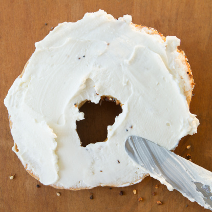 Temptation「Close up of bagel with cream cheese」:スマホ壁紙(3)