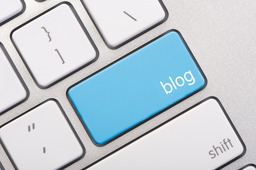 Blogging「Close up of a blog key」:スマホ壁紙(10)