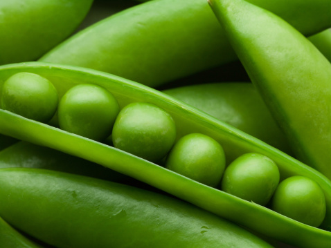 Green Pea「Close up of peas in pea pod」:スマホ壁紙(12)