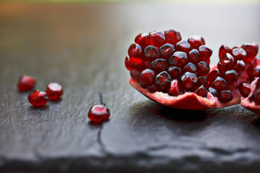 Pomegranate「Close up of pomegranate seeds」:スマホ壁紙(3)