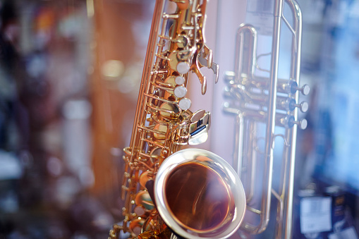 Trombone「Close up of saxophone and trombone」:スマホ壁紙(10)