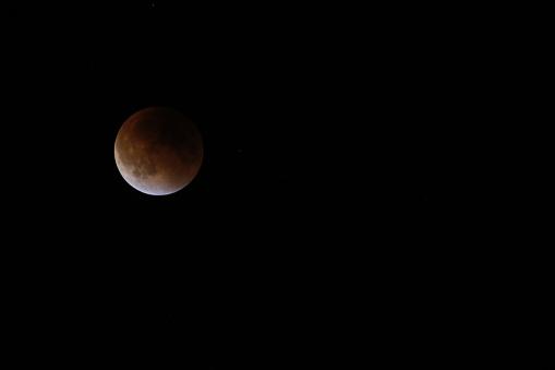 皆既月食「Super moon total lunar eclipse seen in Bloomington, Indina」:スマホ壁紙(16)