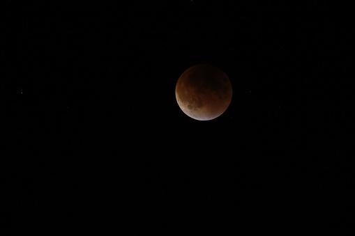 皆既月食「Super moon total lunar eclipse seen in Bloomington, Indina」:スマホ壁紙(18)