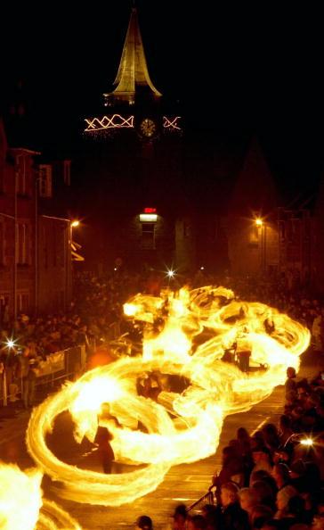 New Year「The Fireballs Hogmany Celebrations In Stonehaven」:写真・画像(0)[壁紙.com]
