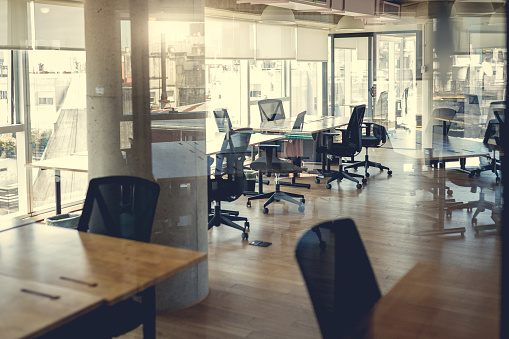 Buenos Aires「Empty coworking work stations」:スマホ壁紙(15)