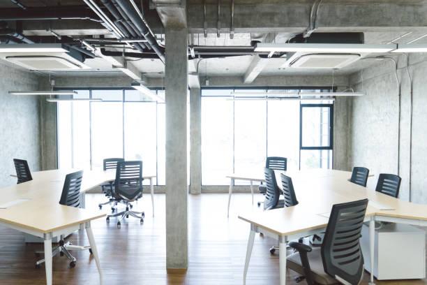 Empty coworking space:スマホ壁紙(壁紙.com)
